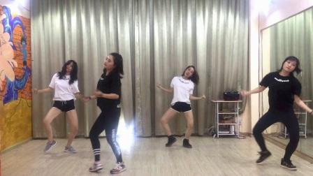 『红豆舞社』BLACKPINK - PLAYING WITH FIRE玩火  舞蹈模仿(妈妈班)