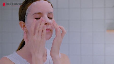 【LIFETRONS】3-in-1 Facial Kit Cleanse,Massage& Apply Makeup EM-600P