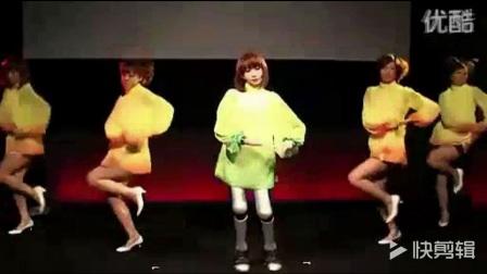 世界最先进性感美女机器人、行走自如且能歌善