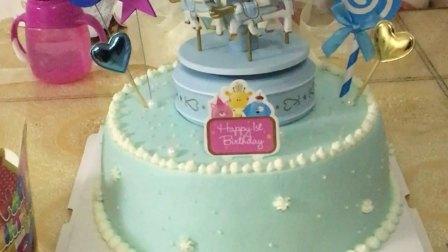 2017/10/15  TuTu一周岁生日蛋糕