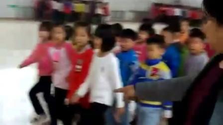 为民小学一年级队列队形练习2