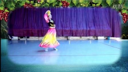 维族舞蹈《美丽的维族姑娘》正面_标清