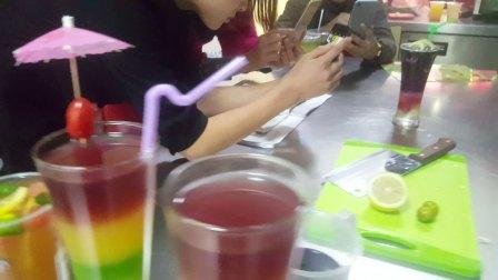凯里毕节安顺培训水果茶冷热饮奶茶甜品就到贵州可德士餐饮培训班