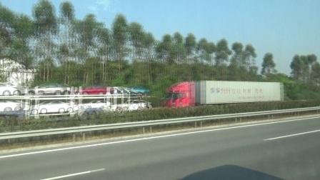 厦蓉高速公路赣州往龙岩方向左侧风光1
