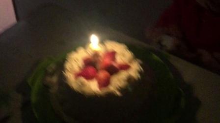 宝贝两周岁生日,我和老婆亲手做蛋糕