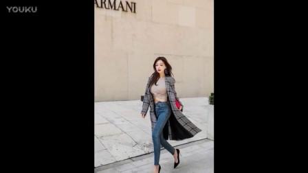 街拍- 红唇美女秀身材, 牛仔裤配高跟鞋很有女人味_高清