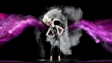 3D Holographic Fashion Show