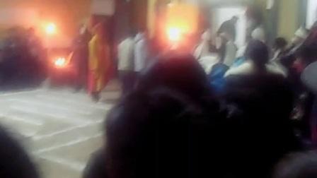 1509713260523云南省新闻视频发布云南省曲靖市会泽县纸箱厂营上村徐水娥的婆婆去世了,么么三好多人哦!