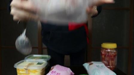 【哎哟阿尤】上海吃播巧克力千层 蛋黄酥 凤梨酥 紫米面包 鸡爪 抹茶奥利奥盒子(1)