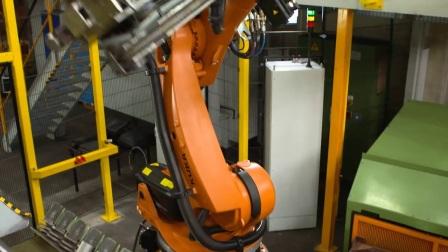 KUKA 机器人 在汽车供应商 Cotarko 工厂中