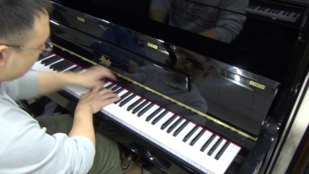 盲人调律师工作室出品海伦钢琴组装佩卓夫罗涩rs123c到店试音讲解