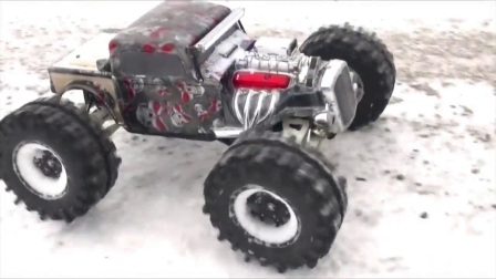 Traxxas Summit Monster Truck 模仿怪物大脚车