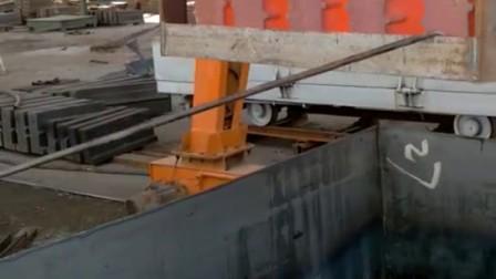 金润宝ZFQ淬火剂与水配比1:6水溶液淬上海路桥反击破1315高铬铸铁Cr26板锤单件重325公斤视频