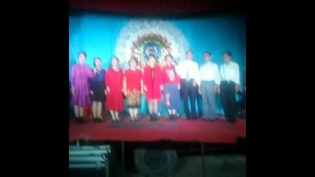 《领袖情怀》一一凤翔县枫叶演唱团在七家门前村演出