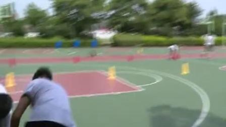 高中体育《加速跑的练习方法、篮球传接球练习方法》教学视频,黄仁春