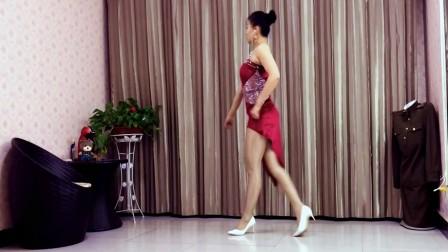 青青世界广场舞《你是我放不下的缘》