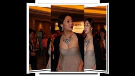 38岁殷桃穿低胸装捞金,不穿内衣竟比柳岩性感,网友:这胸有毒