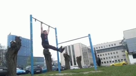 街头健身基础教程——卷腹上杠