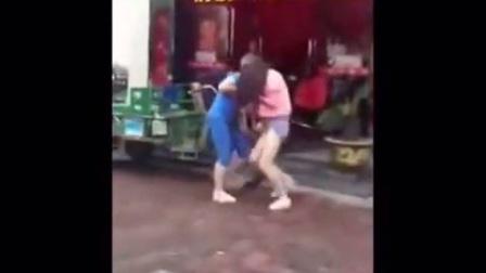 女汉子打架