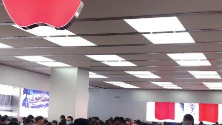 香港苹果专卖店,就好像不要钱一样....