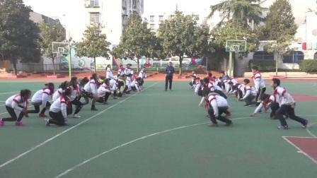小学体育与健康六年级上《蹲踞式起跑》五河县实验小学崔海松