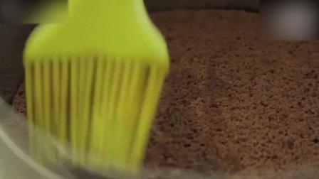 蛋糕培训经典又美味的提拉米苏! 做巧克力慕斯蛋糕