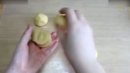 西点烘焙教程烘焙教学-好Q萌的西瓜面包西点师培训