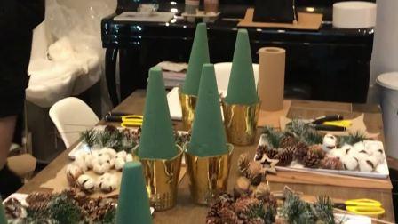 看看怎么用棉花做圣诞树
