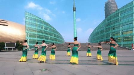 单色舞蹈中国舞教练班学员展示民族风情《傣家小妹》