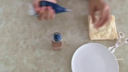生日蛋糕奶油裱花技巧 蛋糕裱花教程 裱花玫瑰花教程视频