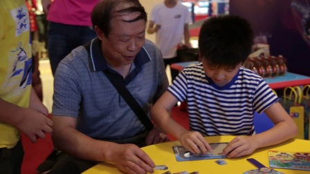 火力少年王之悠拳英雄--重庆万象城回旋悠悠球比赛