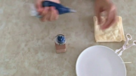 蛋糕裱花大全 裱花寿桃挤法教学过程 裱花的基础手法