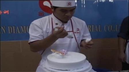 裱花 草莓蛋糕的做法 微波炉蒸鸡蛋糕