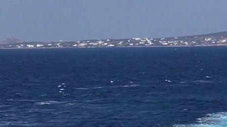 爱琴海上轮渡靠港