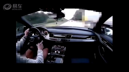 流弊了!奥迪A8高速上被一辆重机超车后,瞬间爆发