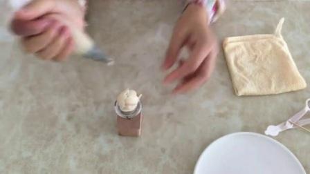 用奶油挤小寿桃的视频 蛋糕裱花制作 裱花教程视频入门