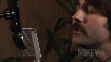 BLUE:AM使用Mikey与iPhone 录制歌曲-Grand Opinion