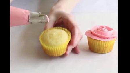 韩式裱花蛋糕 裱花师要学多久 裱花袋和裱花嘴怎么装