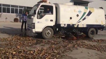 大型扫地车,扫树叶