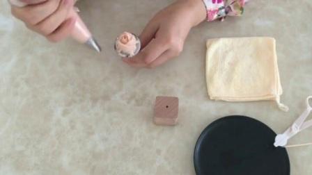蛋糕裱花教学视频 旋转玫瑰裱花 6齿裱花嘴挤玫瑰花视频