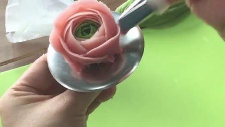 韩式裱花培训 简单裱花蛋糕图片 裱花之五瓣花的技巧