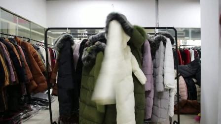 12.22-7服装批发女装批发新款时尚羽绒服特价清货走份10件一份,带真毛领