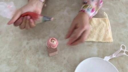 生日蛋糕侧面打花边 怎样裱花蛋糕全过程 蛋糕裱花教程