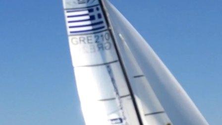 爱琴海上希腊帆船扬帆冲浪