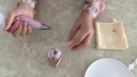 简单的裱花蛋糕图片 旋转玫瑰的裱花技巧 学习裱花