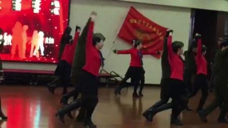 2017.12.18年会上大明宫学员共舞学了一半的灵动三步踩