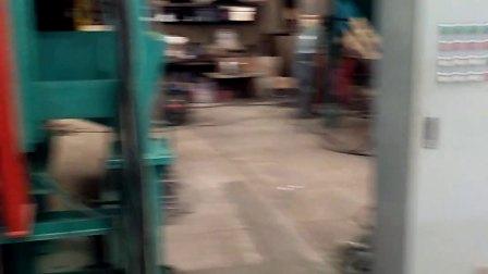 青岛恒林集团: 倾斜滚筒抛丸机视频-1