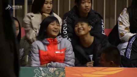 [国产]WCBA-啦啦队中场热舞 场边观众玩起社会摇 (23播放)