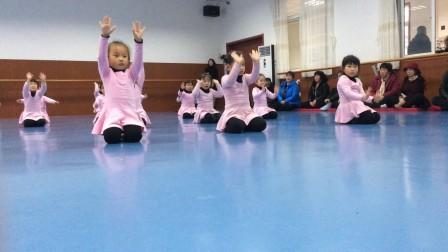 小萝莉之舞蹈展示课