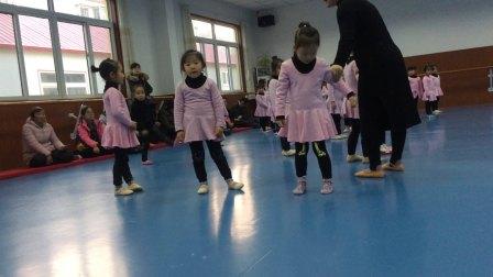 小萝莉之舞蹈展示课4